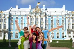 Travellers in Catherine Palace St. Petersburg with the Russia visa free cruise