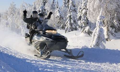 Snowmobile safari in Iso-Syöte